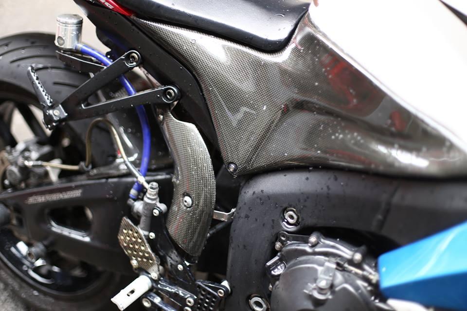 Honda CBR600RR vo cung an tuong trong ban do cuc chat cua biker Viet - 4