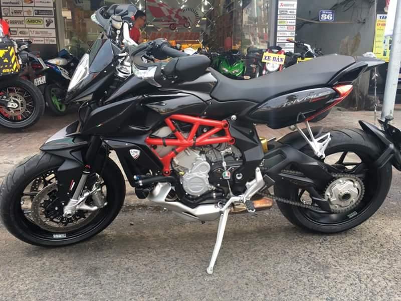 MV Agusta rivale 800cc sang ten toan quoc