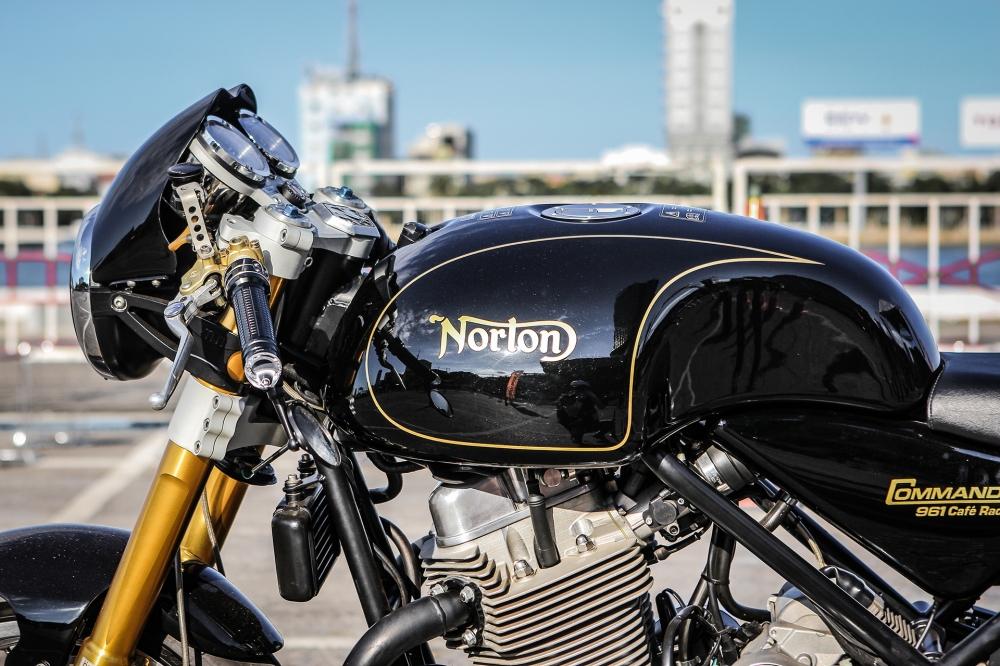 Norton Commando 961 Cafe Racer khoe dang tai Vietnam Bike Week 2016 - 7