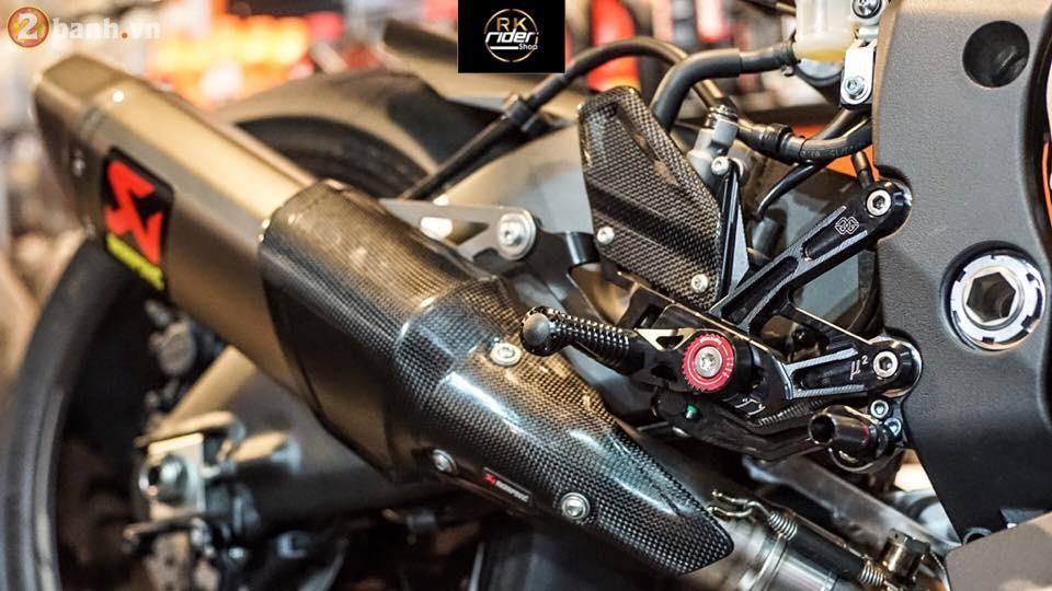 Yamaha R1 den mo sieu ngau trong ban do tu RK Rider Shop - 6