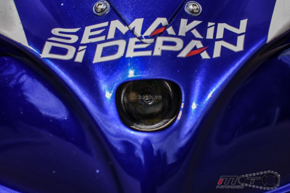 Yamaha R1 sieu chat trong phien ban Movistar MotoGP - 5