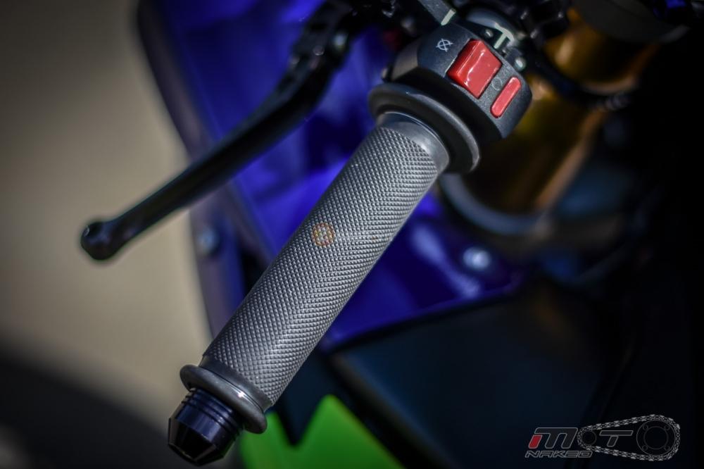Yamaha R1 sieu chat trong phien ban Movistar MotoGP - 9