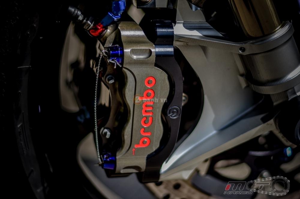 Yamaha R1 sieu chat trong phien ban Movistar MotoGP - 13