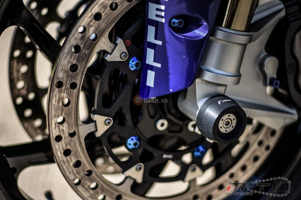 Yamaha R1 sieu chat trong phien ban Movistar MotoGP - 15