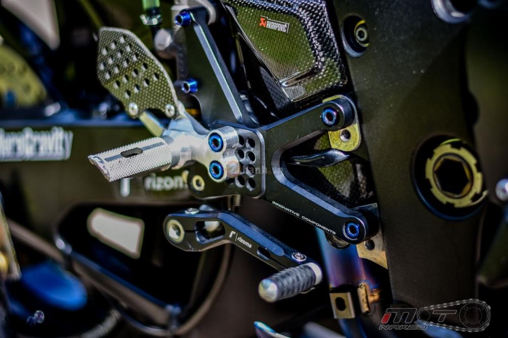 Yamaha R1 sieu chat trong phien ban Movistar MotoGP - 21