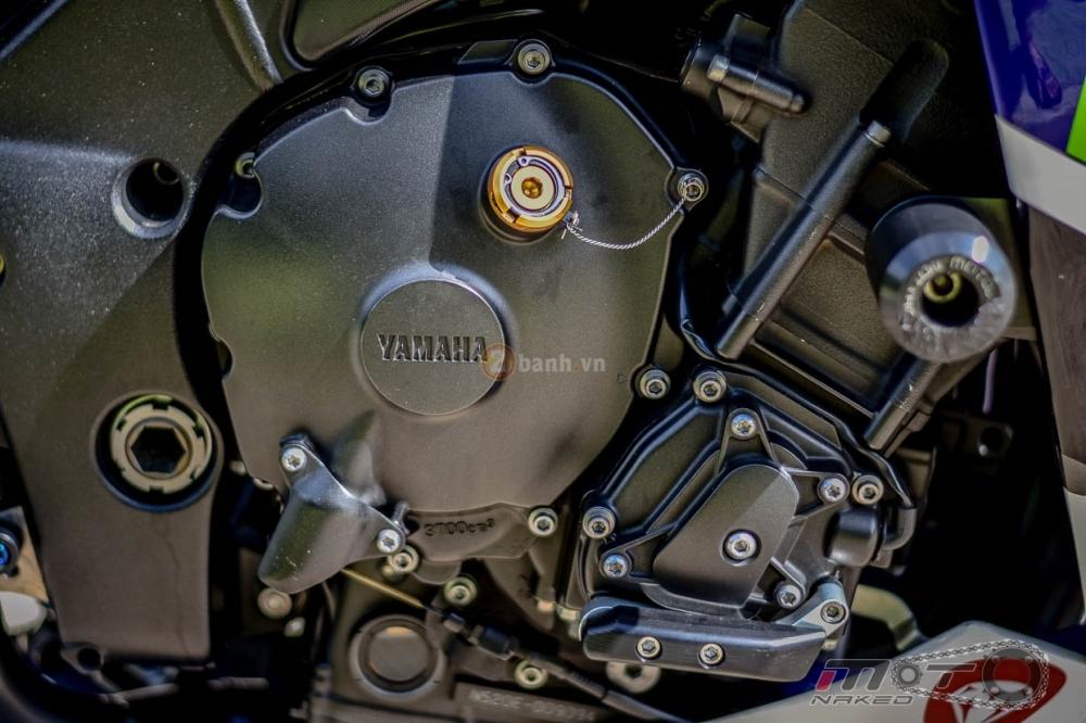 Yamaha R1 sieu chat trong phien ban Movistar MotoGP - 25