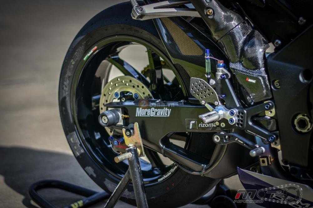 Yamaha R1 sieu chat trong phien ban Movistar MotoGP - 28