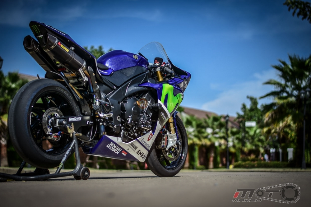 Yamaha R1 sieu chat trong phien ban Movistar MotoGP - 30