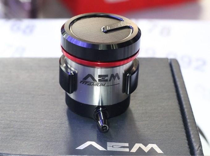 Binh dau AEM Titanium - 3