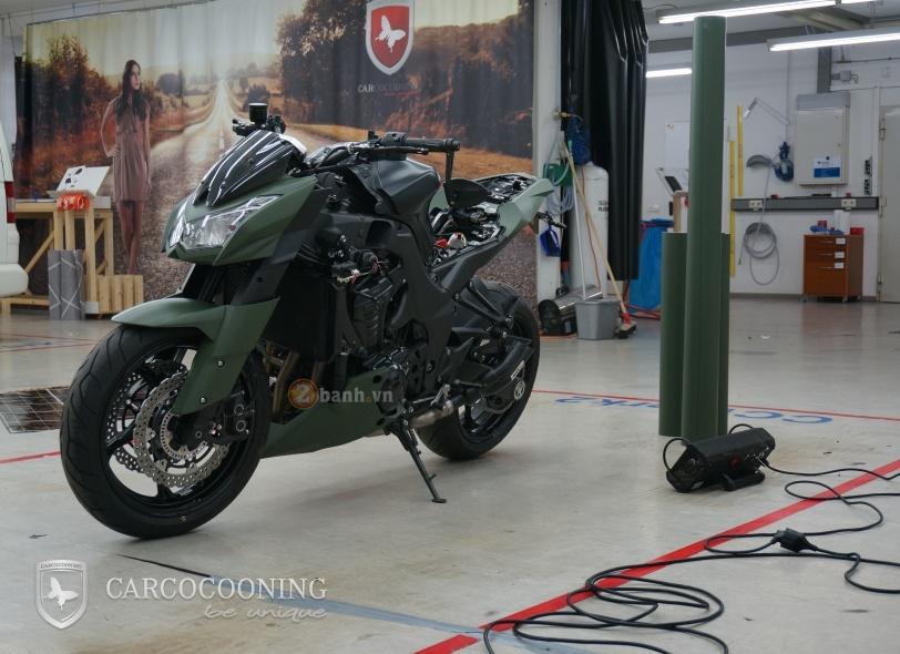Kawasaki Z1000 an tuong trong bo canh Street Force - 3