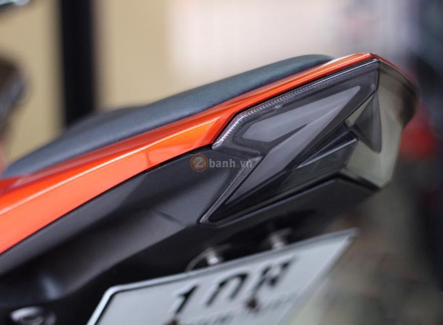 Kawasaki Z800 den cam voi doi mat thu sinh - 4