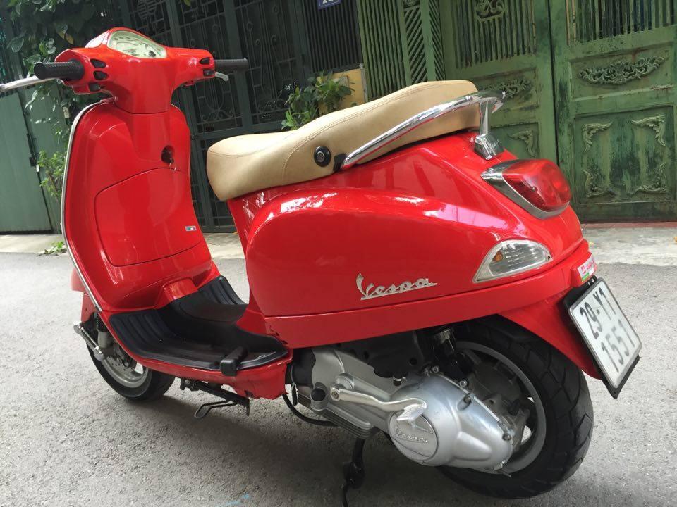Rao ban Piaggio Vespa LX125 nhap Y mau do bien dep 29Y1551 dung giu 2 - 4