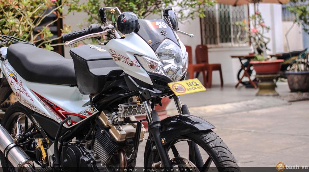 Satria F150 phien ban trang Ngoc Trinh cua tay choi Sai Gon - 8