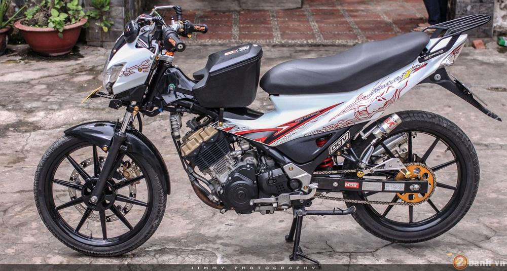 Satria F150 phien ban trang Ngoc Trinh cua tay choi Sai Gon - 14