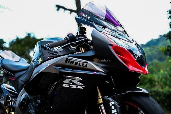 Suzuki GSXR1000 day an tuong voi phien ban Dark Knight - 2