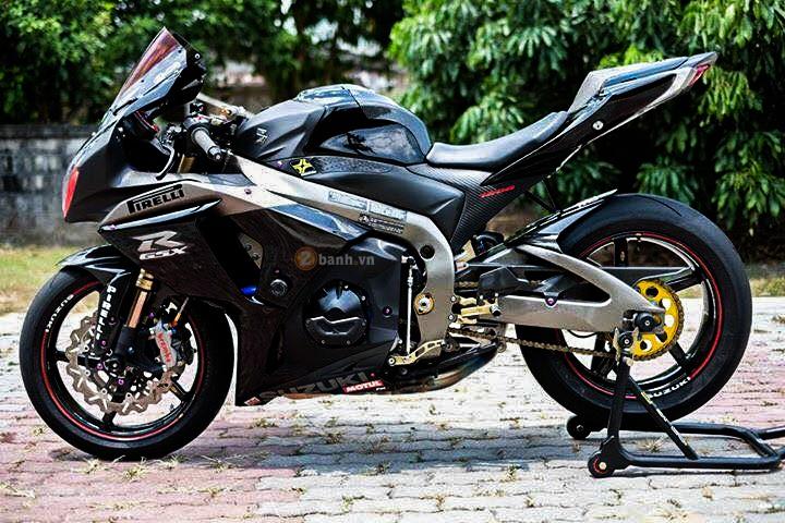 Suzuki GSXR1000 day an tuong voi phien ban Dark Knight - 4