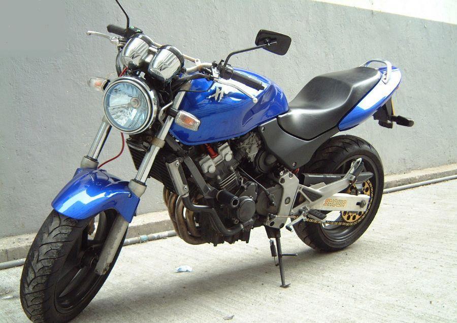 Lot xac Hornet 250 thanh thanh mau xe the thao Honda CBR1000RR 2015 - 2