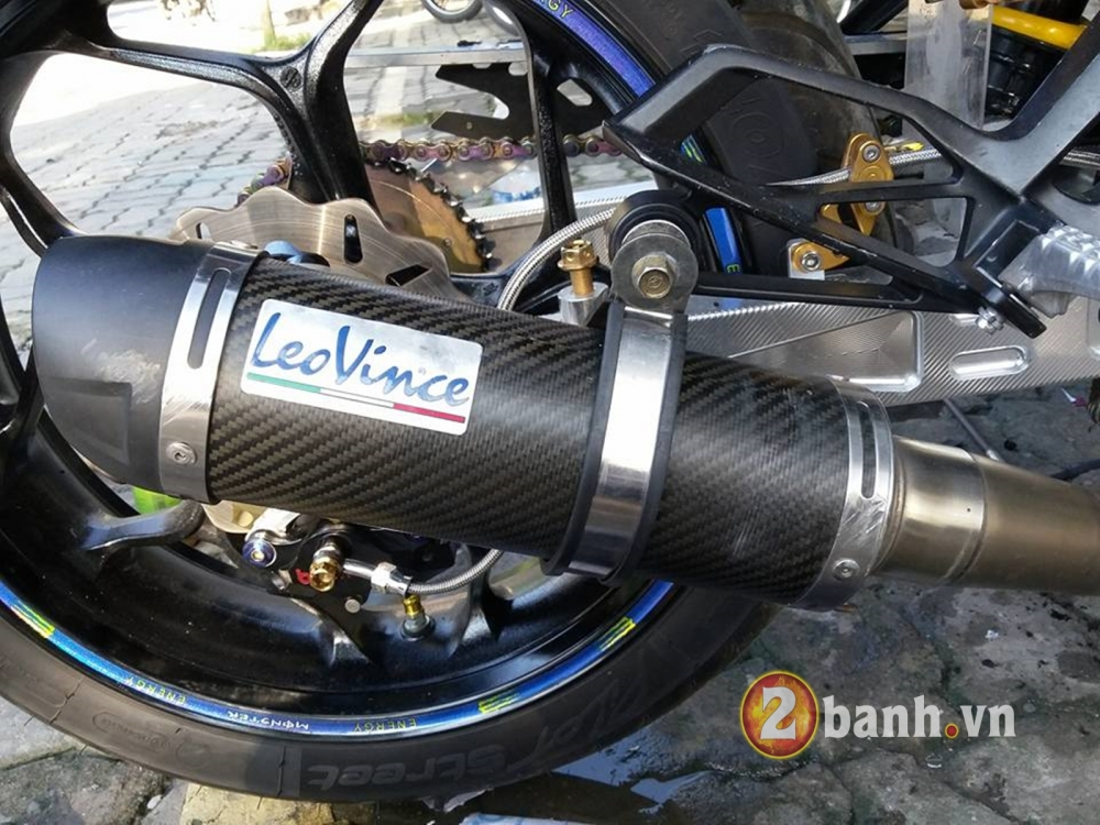 Choi full carbon 5D cung tem crom cho Exciter 150 - 4