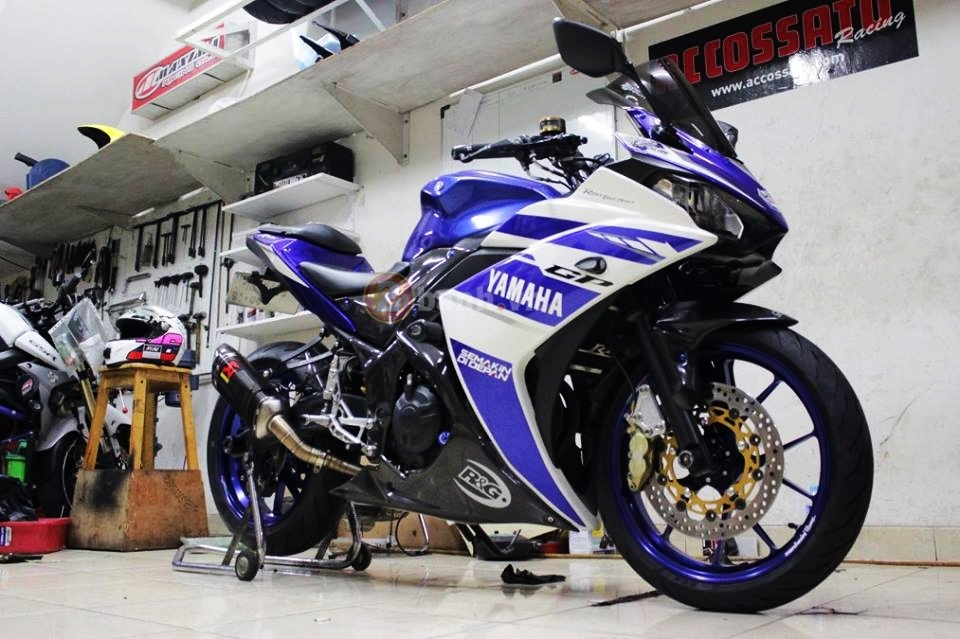Yamaha R25 trong ban do cuc chat den tu Indonesia - 2