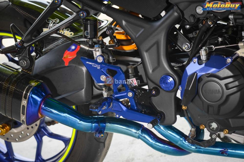 Yamaha R3 noi bat trong ban do cuc chat voi phong cach Valentino Rossi - 8