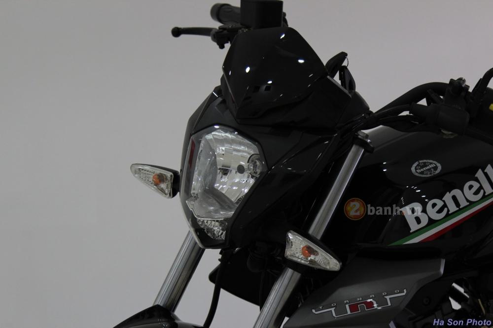 Danh gia Benelli TNT15 Nakedbike danh cho nguoi moi choi - 2
