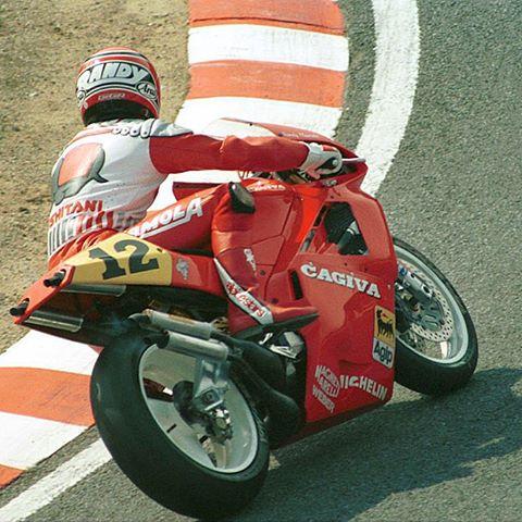 Hinh anh chiec Cagiva V589 goi nho cuoc dua Grand Prix 500 cc vao cuoi thap nien 80 - 2
