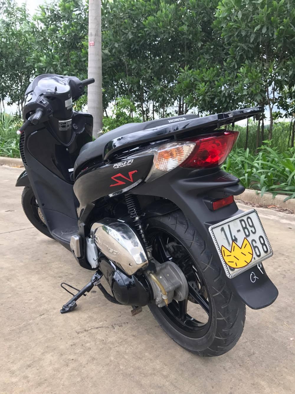 Ban xe shvn 150cc mau den chinh chu doi 2011 - 3