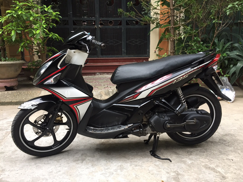 Ban xe Yamaha Nouvolx 135RC den do cuc moi chat 2012 nguyen ban - 5