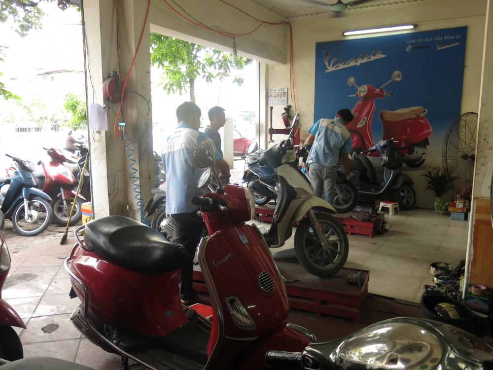 Bao duong xe Piaggio Vespa chuyen nghiep tai Ha Noi Cua Hang Hoa Da Piaggio - 4