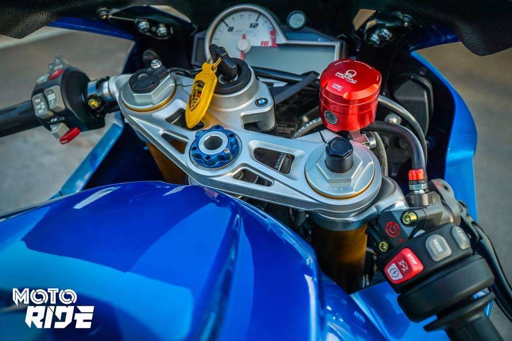 BMW S1000RR ban do cang net tren tung chi tiet cua biker Viet - 6
