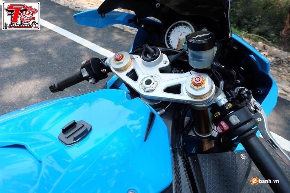BMW S1000RR ca tinh trong bo ao xanh Pestronal - 4