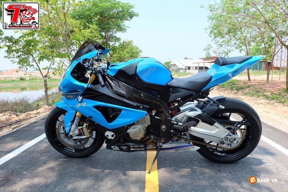 BMW S1000RR ca tinh trong bo ao xanh Pestronal - 12