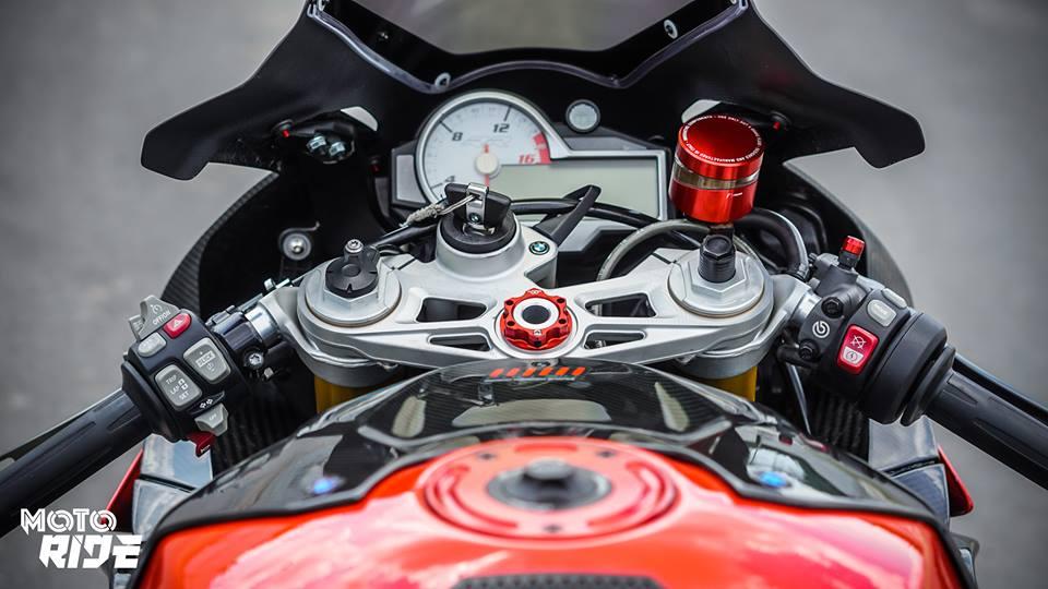 BMW S1000RR phien ban Black carbon - 4