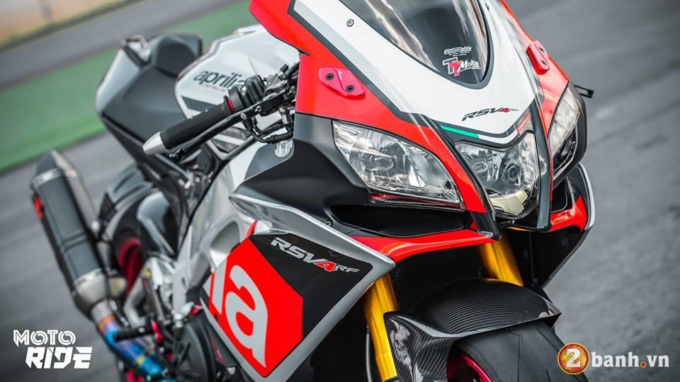 Chiem nguong Aprilia RSV4 RF ban nang cap Limited Edition - 2