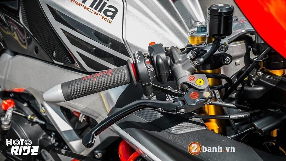 Chiem nguong Aprilia RSV4 RF ban nang cap Limited Edition - 4