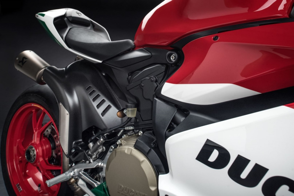 Ducati 1299 Panigale R Final Editionphien ban cuoi cung dong co 2 xylanh 8 v - 2