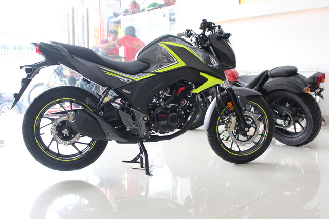 Honda CB Hornet 160R 2017 gia 73 trieu dong ve Viet Nam - 2