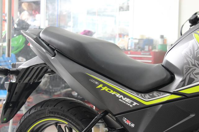 Honda CB Hornet 160R 2017 gia 73 trieu dong ve Viet Nam - 6