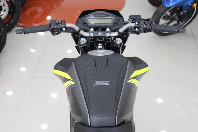 Honda CB Hornet 160R 2017 gia 73 trieu dong ve Viet Nam - 10
