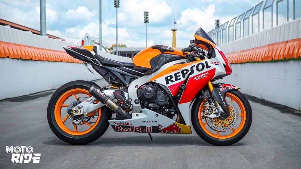 Honda CBR1000RR dep den ngo ngang trong phong cach 93 MotoGP - 2