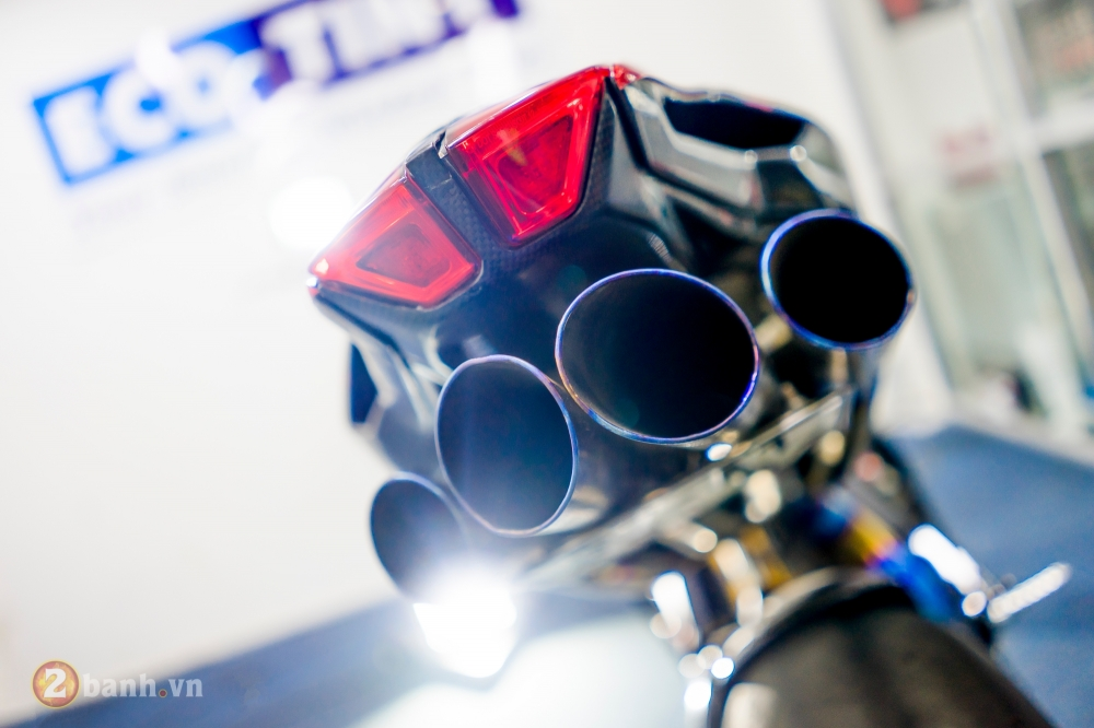 MV Agusta F4 RR dep khong the cuong trong ban do tien ty cua biker Viet - 9