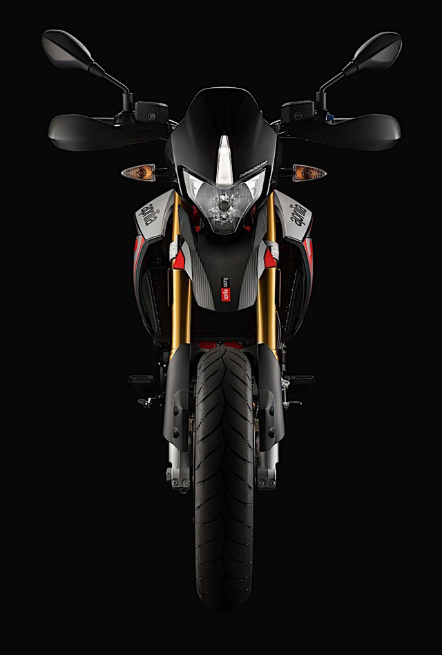 Tan binh Aprilia Dorsoduro 900 2018 Doi thu cua Ducati Hypermotard 939 - 10