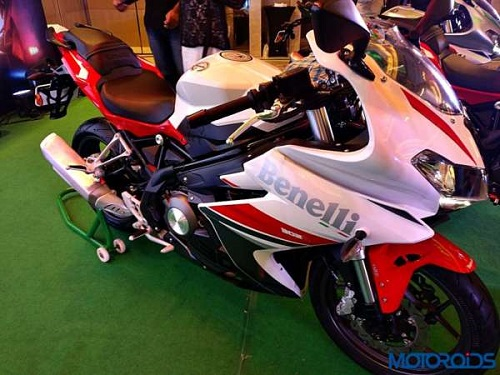 Trinh lang Benelli 302R 2017 Sportbike tam trung day suc hut - 2