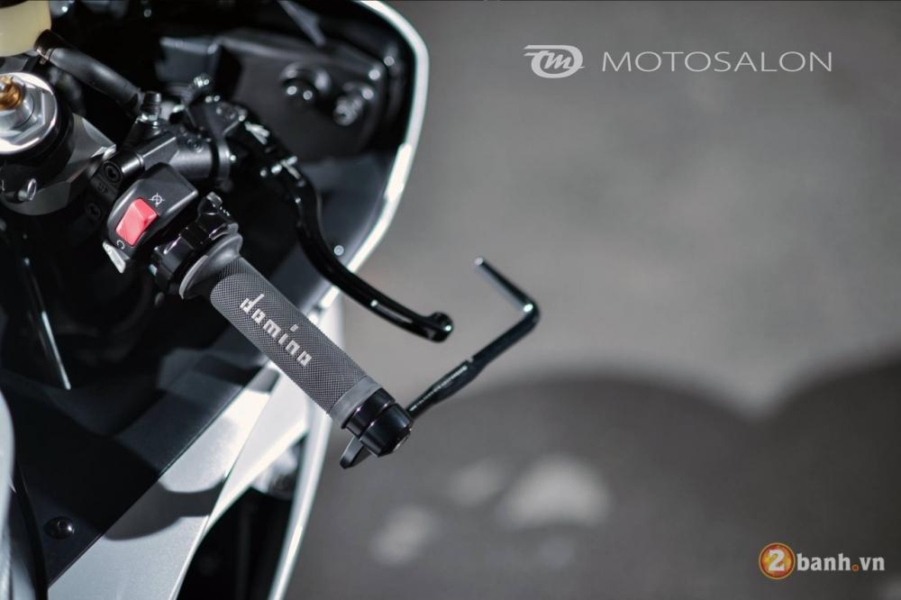 Yamaha R6 con manh thu day quyen ru trong bo canh trang tinh khoi - 3