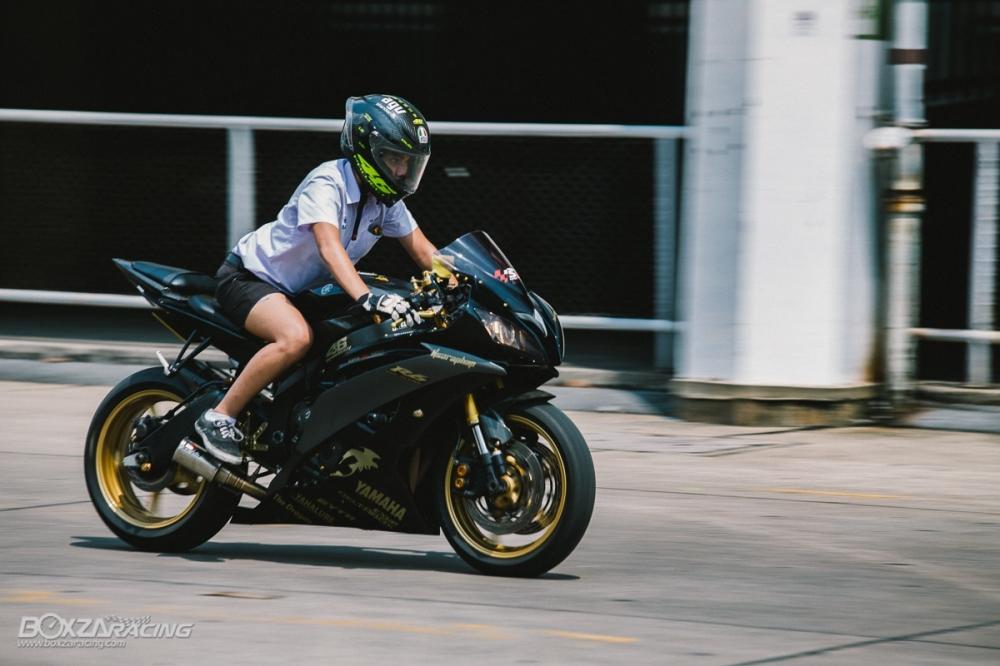 Yamaha R6 Super Black show cung chu xe - 6