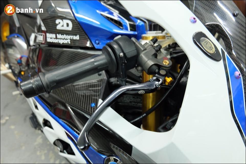 BMW HP4 do nang cap chi tiet cung hieu ung Titan xanh - 4