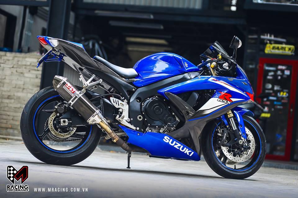 Ca heo xanh mo do GSX R1000 bong bay duoi gam Garage - 4