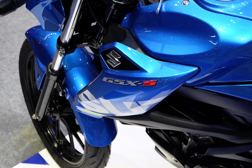 Danh gia xe GSXS150 2017 mau Naked Bike moi nhat cua hang Suzuki - 4