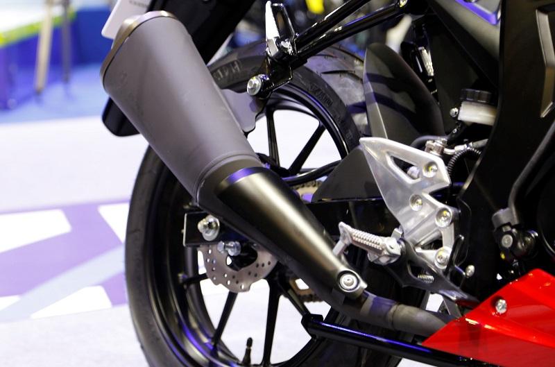 Danh gia xe GSXS150 2017 mau Naked Bike moi nhat cua hang Suzuki - 10