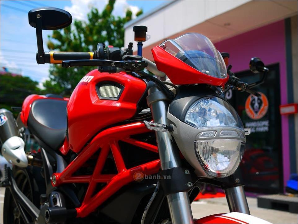 Ducati Monster 796 Hau due sau thanh cong cua Monster 795 - 8